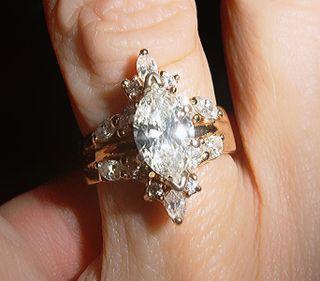 683px-Diamond,_14kG,_wed_eng_anv_RING